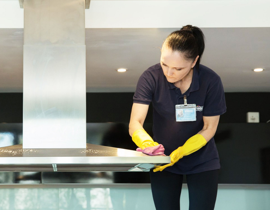 Holiday rental cleaner polishing extractor