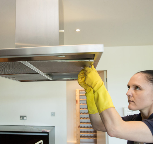 putting the filter of an extractor